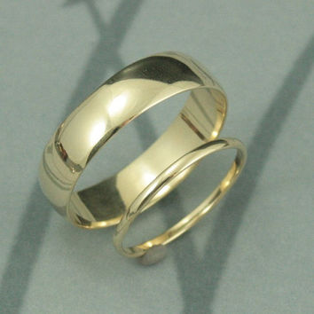 Solid 14K Gold Thick and Thin Wedding Band Set-His and Hers Rings--Traditional Rounded Style--Your Choice of Gold Color, Size and Finsh