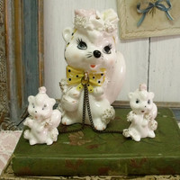 Vintage mom Squirrel with babies porcelain figurines Japan white handpainted squirrels set shabby chic home decor collectibles animals