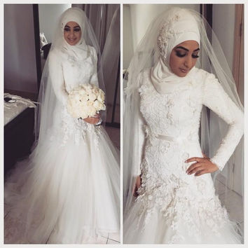 Traditional Muslim Wedding Dresses Dropped Waist Lace Appliques Bodice Long Sleeves