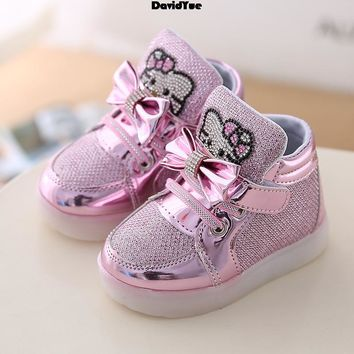 DAVIDYEU girls luminous boots hello kitty kids  shoes for girls  Children Sneakers lighted  glowing Chaussure   tenis infantil
