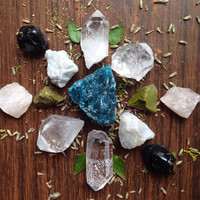 Healing Crystal Collection Stone Set Chakra Crystals Raw Crystals Rough Stones Reiki Tool Bohemian Decor Healing Crystals and Stones Yoga Om