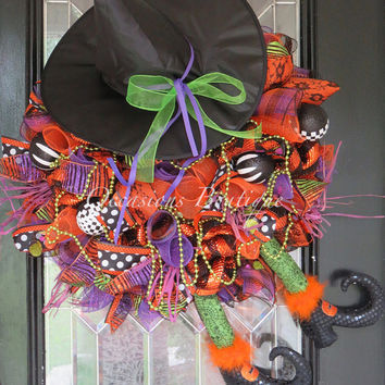 Pre-Order Halloween Wreath, Wicked Witch Halloween Wreath, Halloween Decoration, Front door Wreaths, Door Hanger, Outdoor Wreath, RAZ