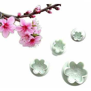 4Pcs/set Peach Blossom Shape Plastic Cookie Cutter Plunger Fondant Cake Mold Jelly Candy Chocolate Soap Mold Decorating Bakeware