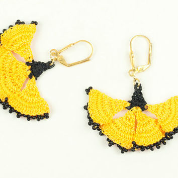 Yellow & Black Lace Earrings - Carnation Flower  - Dangle Earrings - Fiber Art Jewelry - Lightweight - Ottoman Tile