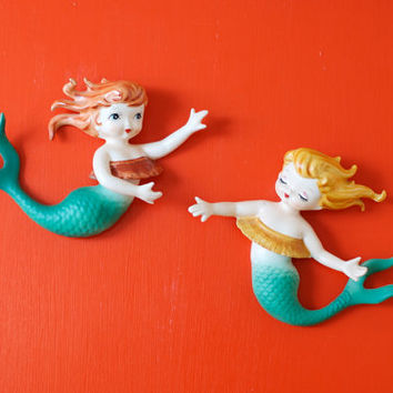 Rare Mid Century Lefton Mermaid Set of 2 Wall Plaque Figurines