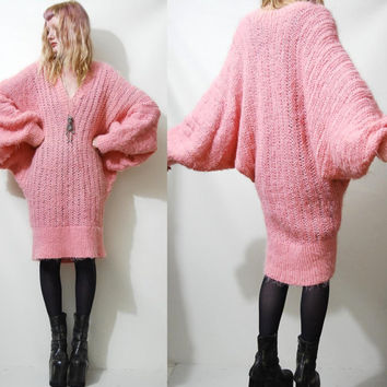 FLUFFY 80s Vintage Sweater Dress Long slouchy Oversized CANDY PINK Knit Knitted 1980s vtg Batwing Jumper V-neck Free Size