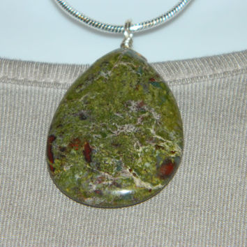 85ct. Dark Green Mixed Stone, Semi Precious, Agate, Pendant, Necklace, Teardrop, Natural Stone, 113-15