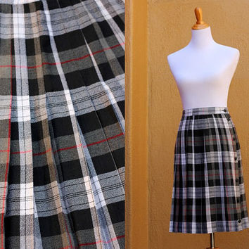Vtg High Waist Plaid Pleated Midi Skirt Kilt Size 8 - 9 Clueless Style Medium Red black gray Canada button up