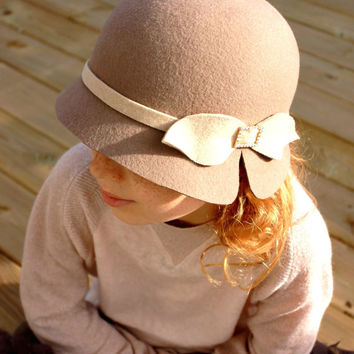 Cloche hat girls, brown winter hat for kids, little girls hats, Elegant girls winter Hat Custom made girls hat, Christmas outfit
