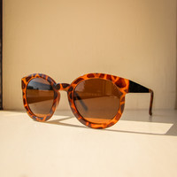 Sassy Chic Sunglasses in Light Tortoise