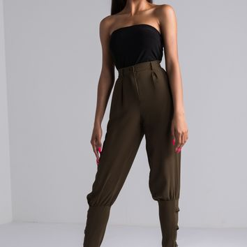 AKIRA Belted Ankle Trouser in Olive