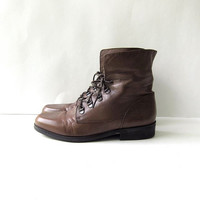 80s brown leather ankle boots. fold over boots. granny boots.