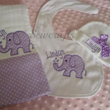 Lindyn Personalized set of Burp Cloth Bib and Beanie Hat -Choice of Name