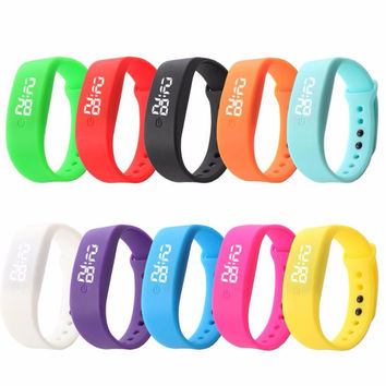 Fashion Bracelet Digital Watch Women Unisex Colorful Rubber LED Date Sports Clock Watches Mens Silicone Watch Relogio