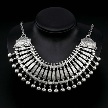Bohemian Gypsy Vintage Silvery Festival Necklace Jewelry (Color: Silver) = 1928732740