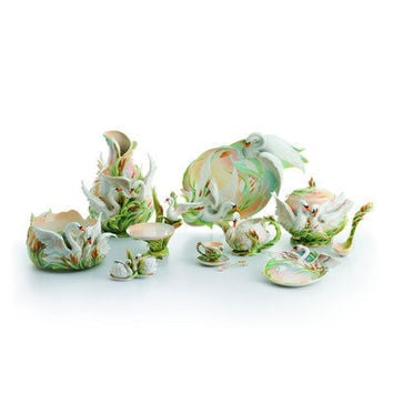 Franz Collection Swan Lake Swan Porcelain Collection