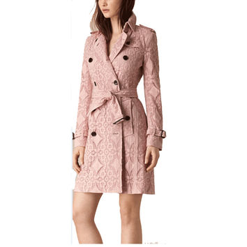 2017 London Brand Pink Lace Trench Coat Renda Classic European Trench Coat For Women Outwear Plus Size Trench Coat