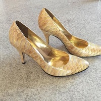 Ivory Leather Stilettos, Gold snakeskin shoes, Antonio Melani, Leather pumps,Size 6 1/2, neutral color