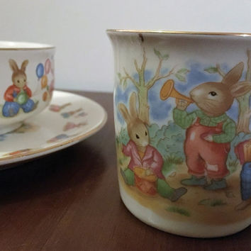 """Vintage 1992 Mount Clemans Pottery Children's China Set - Plate, Bowl and Mug """"Bunnies"""" / Nursery Meal Set / Bunnies Playing"""