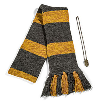 Fantastic Beasts Newt's Scarf and Pendant Set - Exclusive