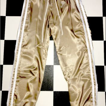SWEET LORD O'MIGHTY! SILK KITTEN TRACKIEZ IN SANDSTONE WHITE