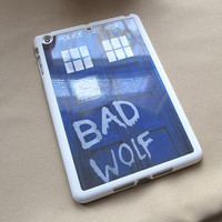 dr who doctor who inspired tardis bad wolf ipad mini plastic white case