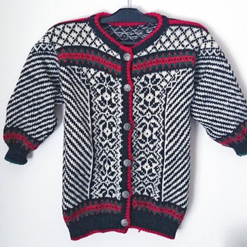 8-12 yrs, vintage 100% wool kids sweater with metallic folk buttons and in Nordic patterns