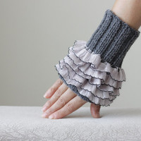 Knit Fingerless gloves, Women Grey gloves, Knit wrist cuffs, Ruffle mittens, Ruffles cuffs, Frilly cuffs, womens gift for her, constellation