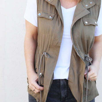 Pocket To Me Vest {Olive}