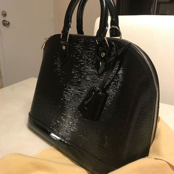 DCCKU7Q Louis Vuitton Authentic Epi Leather Alma PM Black ?shiny Hand Bag Auth LV