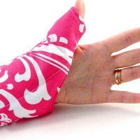 Thumb Wrap for Texting, Gaming, Overuse - Cold or Heat Pack for Sore Thumb Wrists - Carpal Tunnel Tendonitis