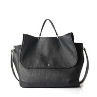 GRAND JALI in black vegan leather