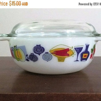 "PYREX SALE: Vintage 1960s JAJ Pyrex 2 Pint Easy-Grip Round Casserole Dish Featuring the ""Fiesta"" Pattern / Made in England"