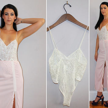 Vintage 70s Sexy Lingerie / Ivory Lace Leotard Nightie, Revealing Teddy / Sweetheart Bust / High Cut Leg / Snap Crotch / Small