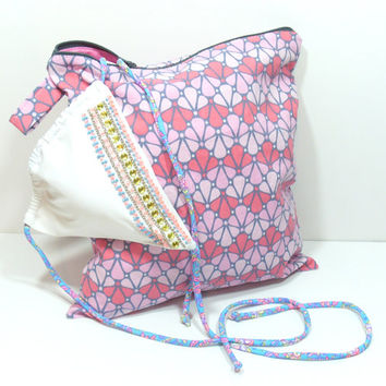 Pink Wet Bag, Pink Summer Wet Bag, Pink and Gray, Zipper Wet Dry Bag, Waterproof Bag, Cosmetic Travel Bag, Vacation Bag, Camping Wet Bag