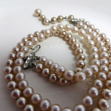 Vintage Pearl Necklace Double Strand Necklace 1940s Champaign Colored Glass Pearl Necklace Costume Jewelry Costume Pearls