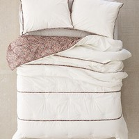 Tacoma Ditsy Floral Comforter | Urban Outfitters