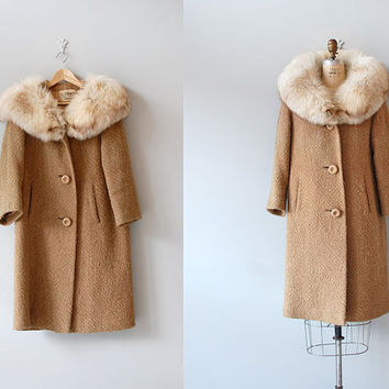 1960s wool coat / fox fur collar / Boucle Wool Coat by DearGolden