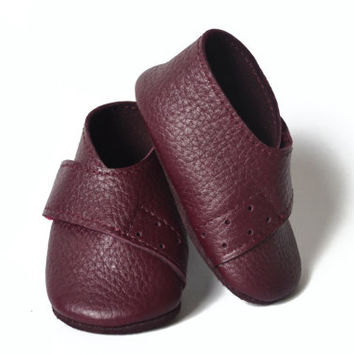 Purple leather baby girl shoes, Baby booties, Handmade baby shoes, Baby leather slippers, Baby moccasins, Newborn shoes, Baby girl gift