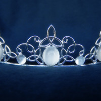 Celtic Princess Tiara - $199.99 : Medieval Bridal Fashions, Circlets, Headpieces, Necklaces and Bracelets for your Renaissance, Celtic or Elven Wedding!