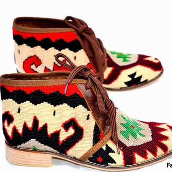 20% OFF EU 39 US 8.5  Woman kilim booty, leather ankle boots, vintage, booties, slippers, shoes, oxfords, ethnic, bohemian, Nomads, footwear