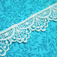 1 yard of 7/8 inch white venise lace trim for wedding, bridal, scrapbooking, jewelry, housewares, couture by MarlenesAttic - Item ZX