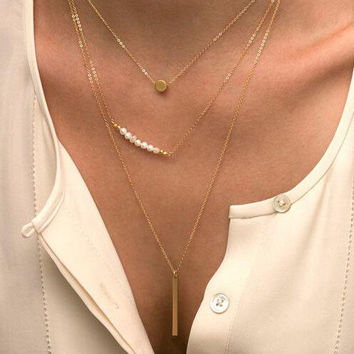 Delicate Necklaces/ Gold and Pearl Layered Necklace Set / Minimal, Simple Everyday Necklaces