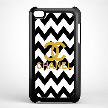 Gold Chanel Logo iPod Touch 4 Case