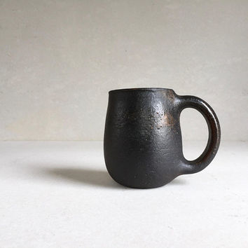 BLACK MUG Full-Handle 16-18oz, ceramic, pottery, handmade, rustic, coffeemug, coffee mug, cup, handmademug, potterymug, blackmug, sturdy