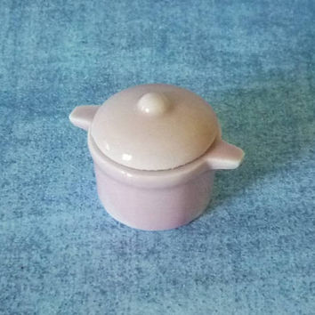 Light pink cooking pot Miniature pot Tiny pot /pottery /Casserole/ Miniature kitchen utensils/ Dollhouse miniatures