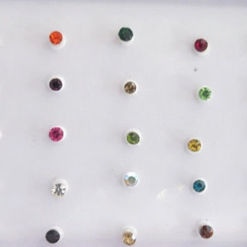 Julia Bindis In One Pack/ Indian India Bindis / Self Adhesive/ Belly Dance Bindi/ Bindi Jewels/ Fake Tragus Nose Stud Bindi