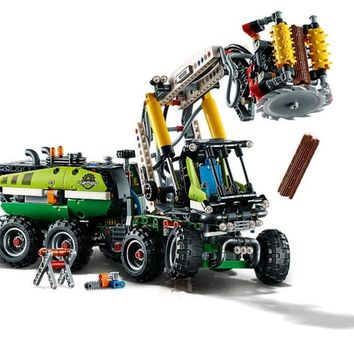 2018 New Technic Series Forest Machine Harvester 2-In-1 Building Blocks Toys Compatible With Legoings Technic 42080 Kids Gifts