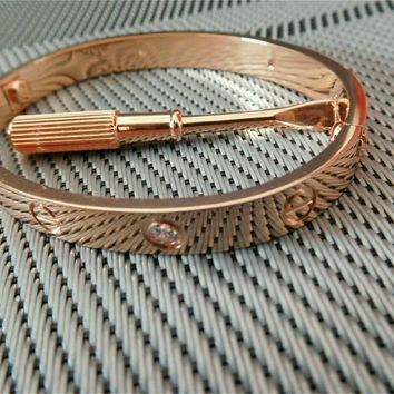 One-nice? -*/Cartier 18K Rose Gold/4 Diamonds Love Bangle Bracelet Size 17