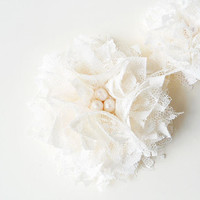Bridesmaid Hair Accessories, Ivory Flower Hair Clips, Bridesmaid Hair Flowers, Lace Flowers, Off White Lace Fabric Flower Girls Brides Gift